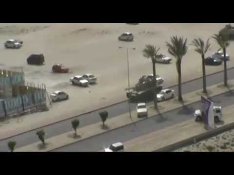 Bahrain - Carri Armati per le strade di Manama