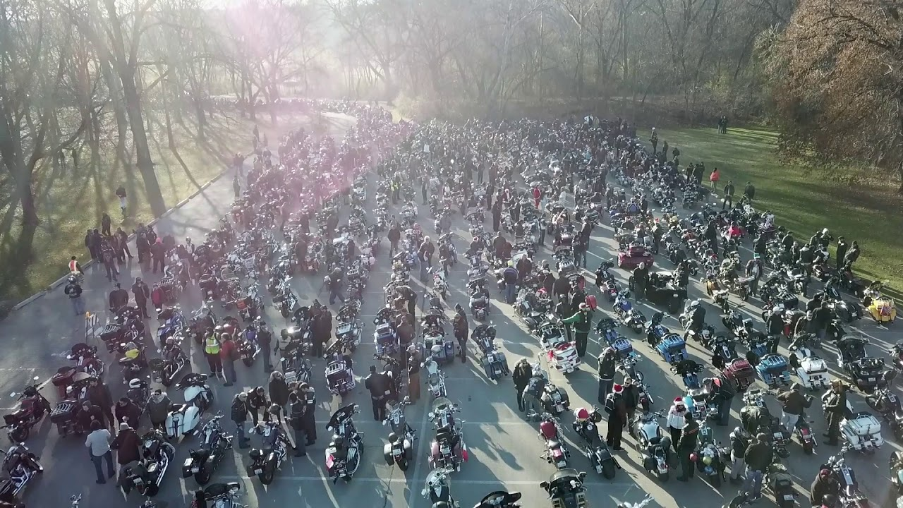 2017 Chicago Toys For Tots : Toys for tots chicago united riders drone youtube