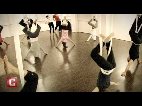 En Forma: Antigravity Yoga