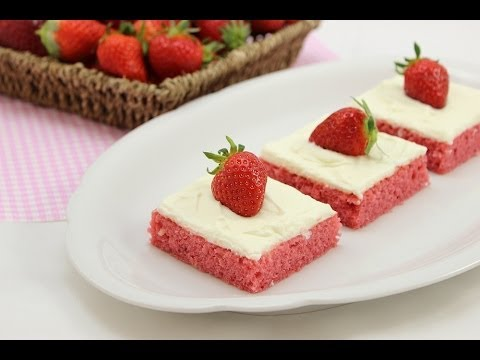 Erdbeer-Blechkuchen mit Cream Cheese Frosting *perfekt zum Muttertag Valentinstag*