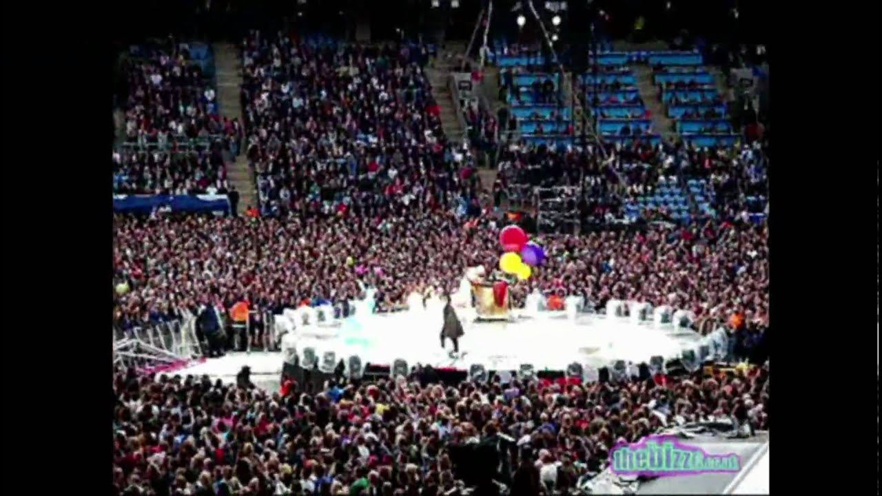 Take That The Circus Live Tour 2009 Intro The Greatest Day Hd Youtube
