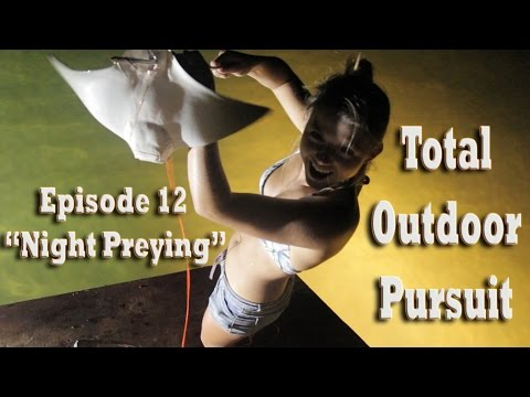 Bowfishing for Stingrays at night in Florida! Total Outdoor Pursuit Episode 12