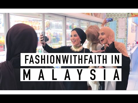5 BLOGGERS IN A SUPERMARKET | MALAYSIA VLOG Part 1