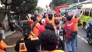 Jakmania Datang Mendukung Arema Di Pakansari Bogor