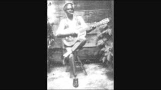 Babe Stovall - The Ship Is At The Landing