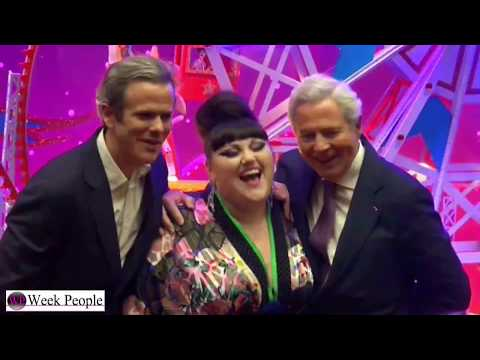 Beth Ditto inaugure le Noel Spectacular, Spectacular des Galeries lafayette