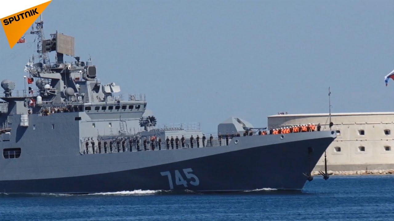新フリゲート艦「アドミラル・グ...
