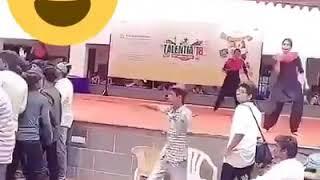 La La Kadai Santhi Song / Student Performance in Talentia Event 2018 / Whatsapp Viral Video