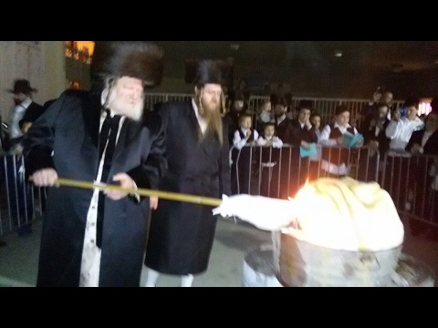 Watch: Lag Ba'omer 5777 With the Pittsburgher Rebbe in Los