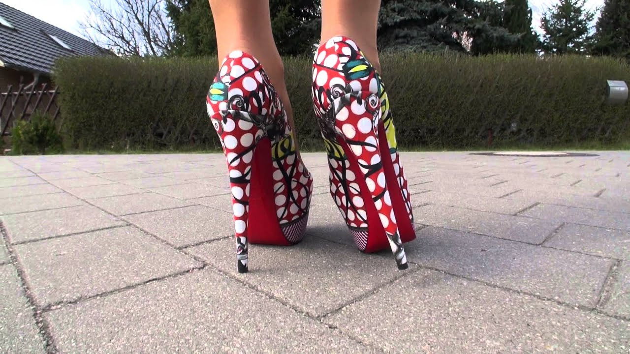 TAMIA PRESENTS HER NEWEST LOUBOUTIN HIGH HEELS - YouTube