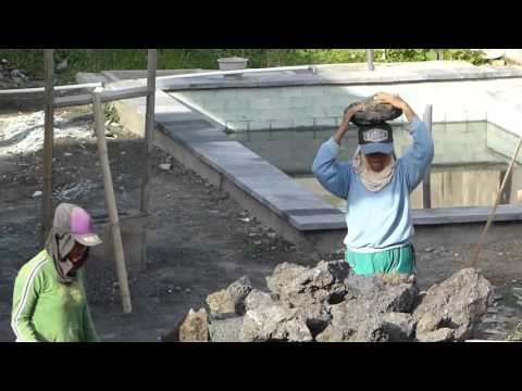 villa construction Woman worker BALI ISLAND バリ島 女性労働者