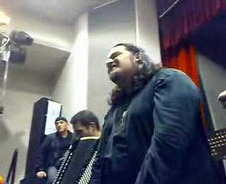 Cisco canta