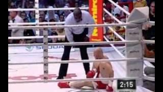 El mayor escándalo sobre un ring miranda finje un KO.