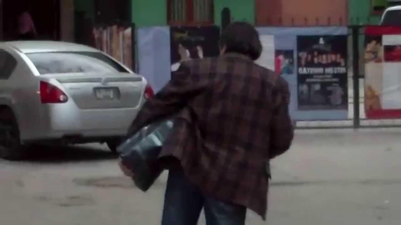 Au început să se clatine oamenii pe stradă