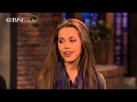 "Duggar Girls on Growing Up on ""19 Kids and Counting"""
