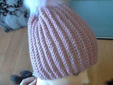 Красивые вязаные шапки спицами для женщин