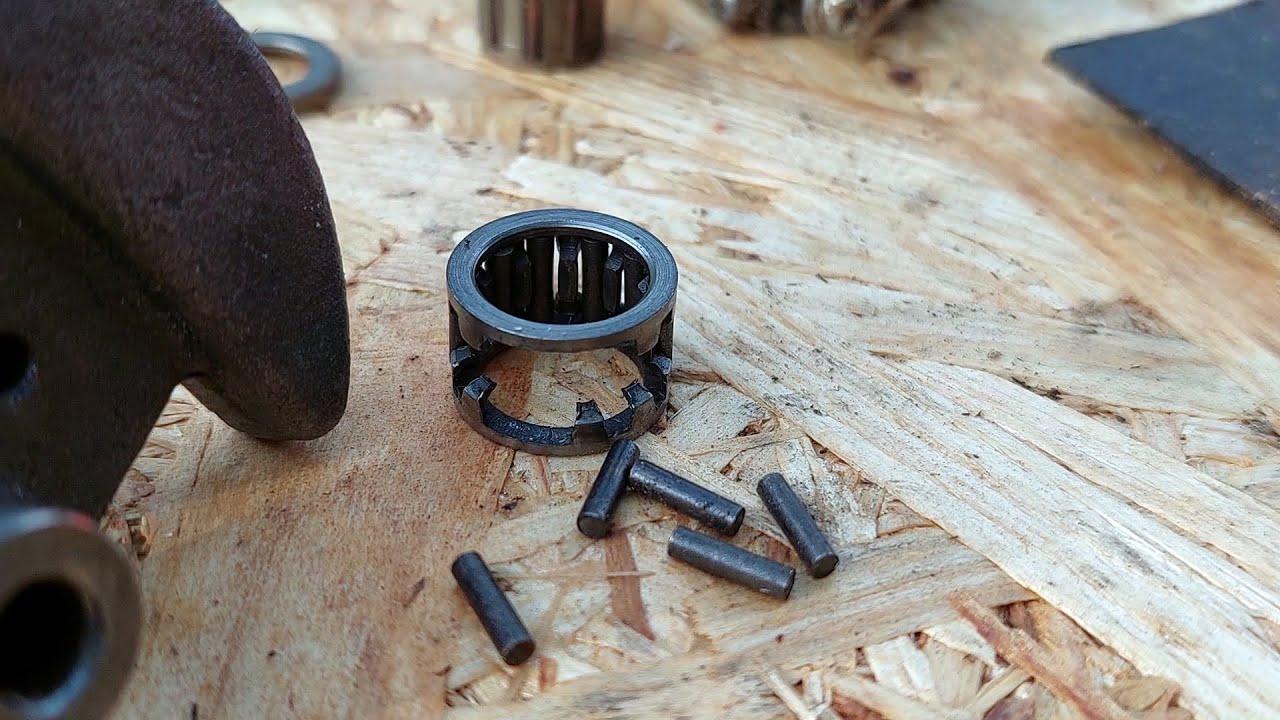 A crapat drujba chinezeasca - urmari / Cranckshaft bearing exploded on a chainsaw