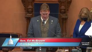 Sen. McBroom opens Senate session with invocation