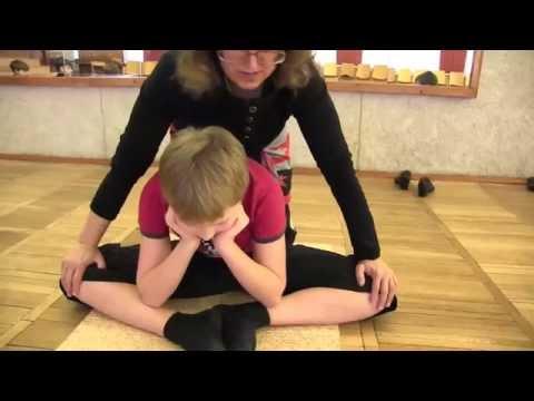 Растяжка на шпагат / Stretching