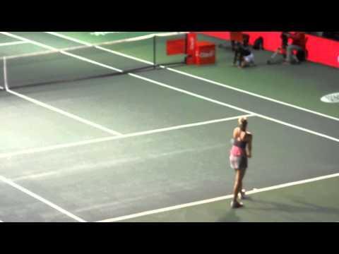 Maria Sharapova vs Ana Ivanovic in Colombia.