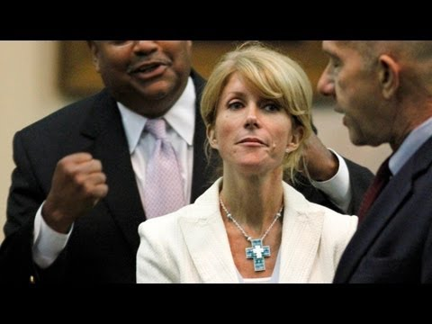 Wendy Davis Attacked For Being Too Hot