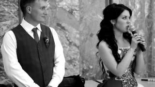 Книга о Вас. Невеста и жених вручают своим родителям Книги-благодарности, Книги детских воспоминаний