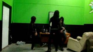 Sandra and Andy Gangsta Slam Dancing xD