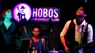 Velvett Lipstick - (en vivo) - Hobos