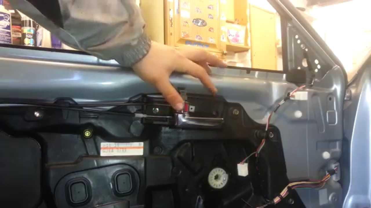 Wymiana Klamki Wewnętrznej W Przednich Drzwiach Mazda 6