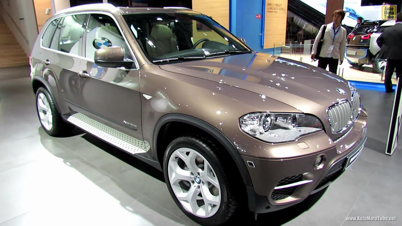 2012 bmw x5 xdrive 40d exterior and interior walkaround 2012 paris auto show youtube. Black Bedroom Furniture Sets. Home Design Ideas