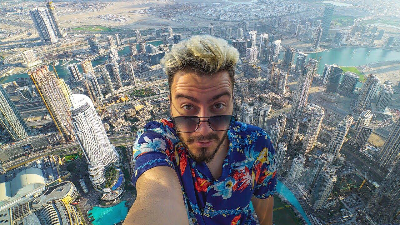 DÜNYANIN EN YÜKSEK YERİNE ÇIKTIM (Burj Khalifa) - Enes Batur
