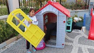 Masal'ın Anahtarı Kayboldu Kapıda Kaldı Pretend Pretend Play House - Funny Kids Video