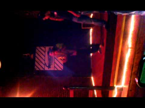 ILLY Ft. C.H.A.D- Somebody I Use To Know Perfomance.3gp