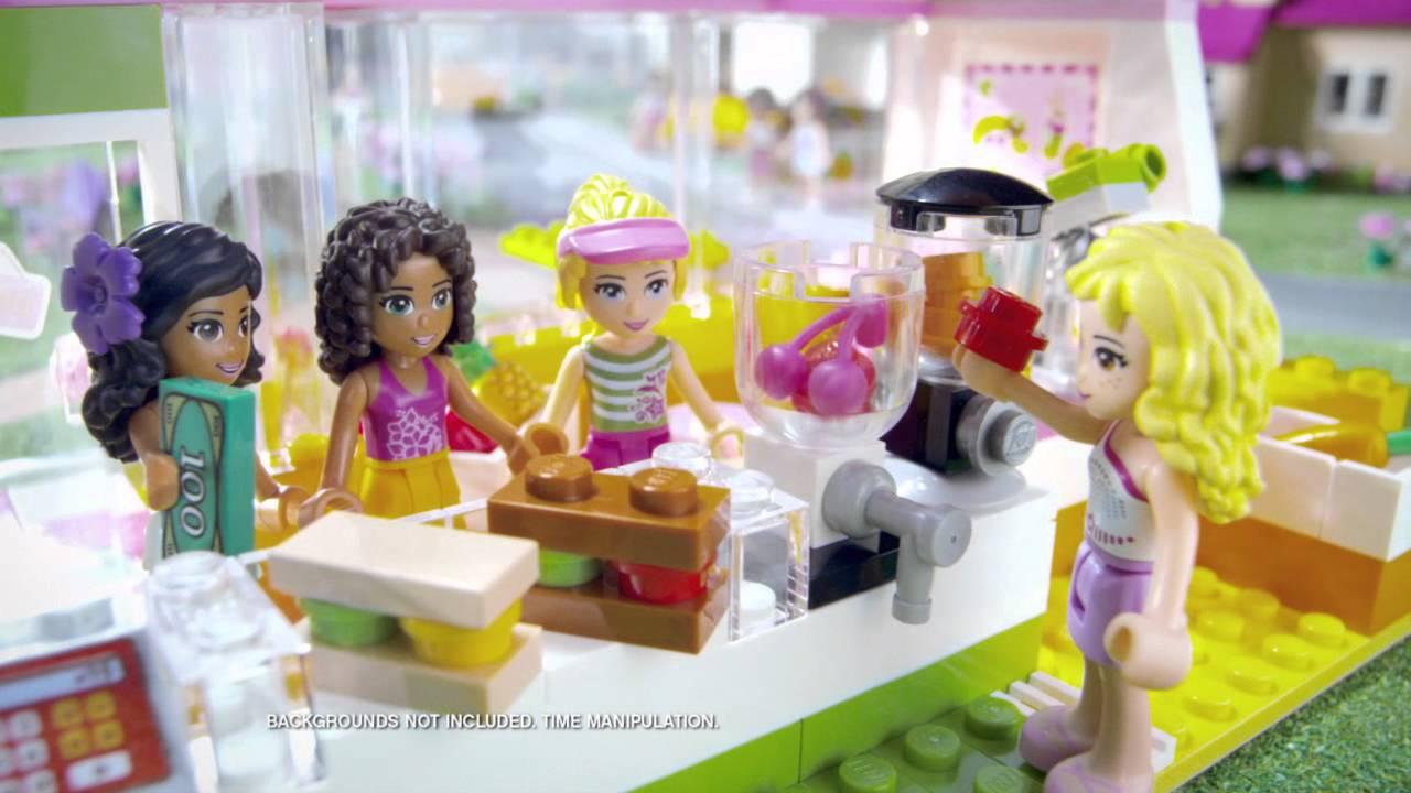 Родители сталкиваются с тем, что конструкторов для девочек выпускается довольно мало. А ведь конструирование это полезное и увлекательное занятие. Оно развивает моторику, речь, фантазию. Новая серия лего friends это конструкторы для девочек. Игрушки серии lego friends это сюжеты,