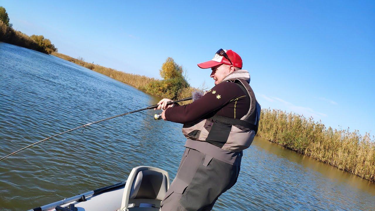Они РАЗРЫВАЮТ эту ПРИМАНКУ! Рыбалка на спиннинг в Астрахани!
