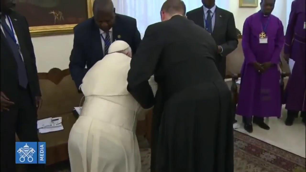 Image result for Pope Francis Kisses President Salva Kiir Mayardit's Feet