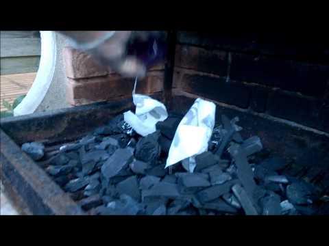 Comment allumer un barbecue rapidement doovi for Comment allumer un barbecue