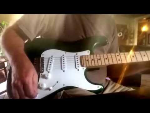 Fender Eric Clapton Stratocaster mid boost demo--turn on captions