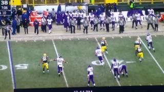 Sarah Thomas line judge gets hit hard! Greenbay Packers vs Minnesota Vikings