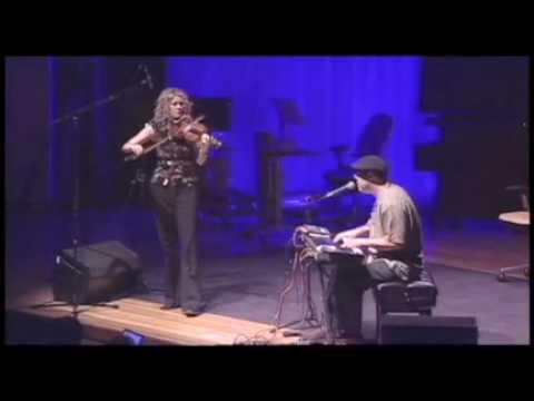 Natalie MacMaster fiddles in reel time