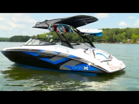 2016 Boat Buyers Guide - Yamaha 242 X E-Series