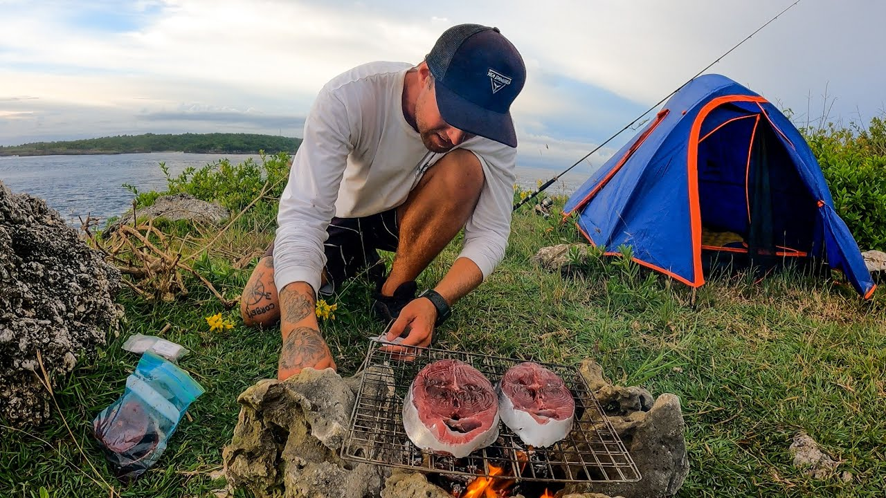 SOLO CAMPING ON A CLIFF. HЏNT FOR YOUR FOOD OR GO HUNGRY. EP 56