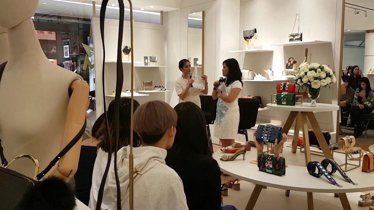 Photo Salon Feng Shui jenie feng shui with bazaar magazine on september 2017