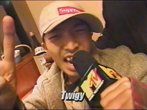 '96年12月公開 MTV JAMS。 「証言」MUSIC VIDEOの初公開に合わせて鳥居亭に参加メンバー集結。 :TWIGY :ZEEBRA :YOU THE ROCK☆ :GAMA :RINO :DJ YAS ...