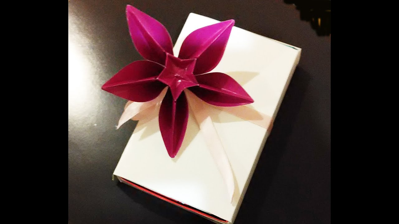 Awesome decoration for gifts origami flower carambola for Decoration origami
