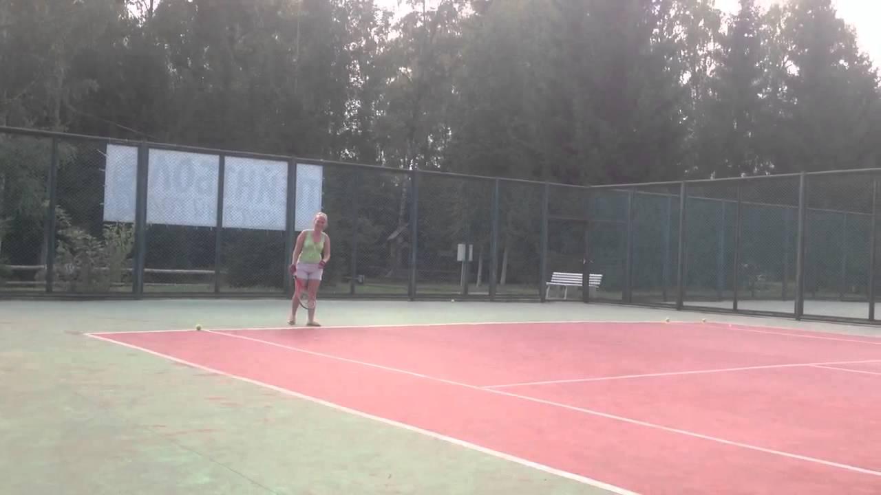 Les internationaux de france de roland garros; также известен как ролан гаррос) — один из четырёх турниров большого шлема, ныне проводящийся в париже (франция) на кортах местного теннисного комплекса «roland garros».