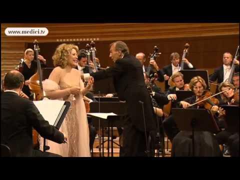 "Renee Fleming sings Schubert's ""Gretchen am Spinnrade"""