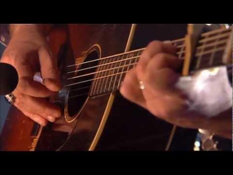 Maria Doyle Kennedy  Sing