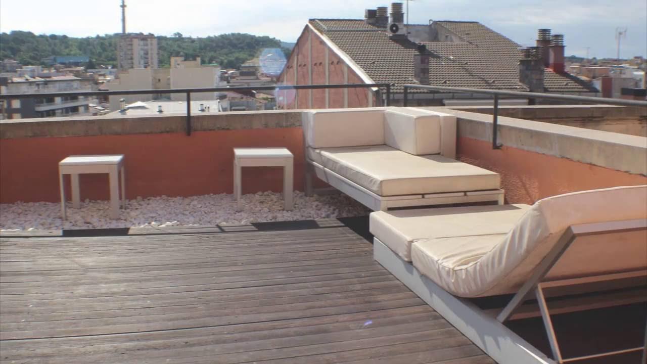 ático De Diseño Con Terraza Y Espectaculares Vistas A Todo Girona