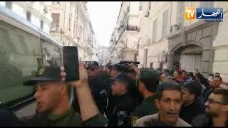 """شاهد..كاميرا النهار ترصد عملية نقل الإخوة """"كونيناف"""" إلى محكمة سيدي امحمد !!"""